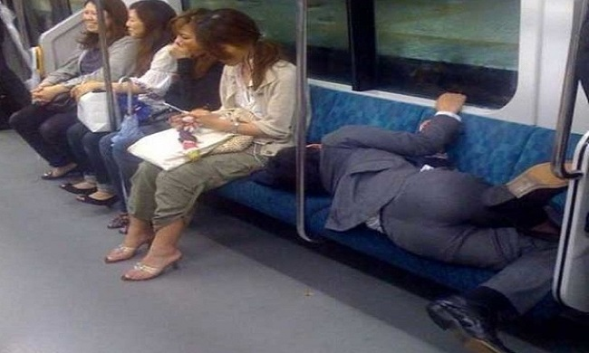 5 memes that perfectly describe your commute to work